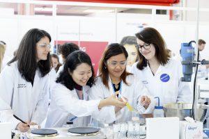 Visitors formulating in the Formulation Lab